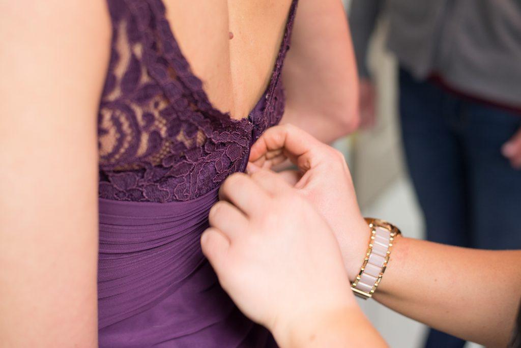 Sukienki koronkowe, must-have każdej kobiety