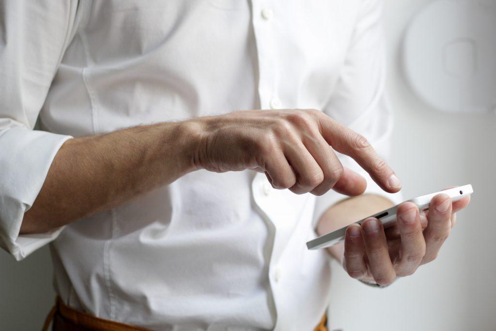 Szkło hartowane na telefon – jakie wybrać?