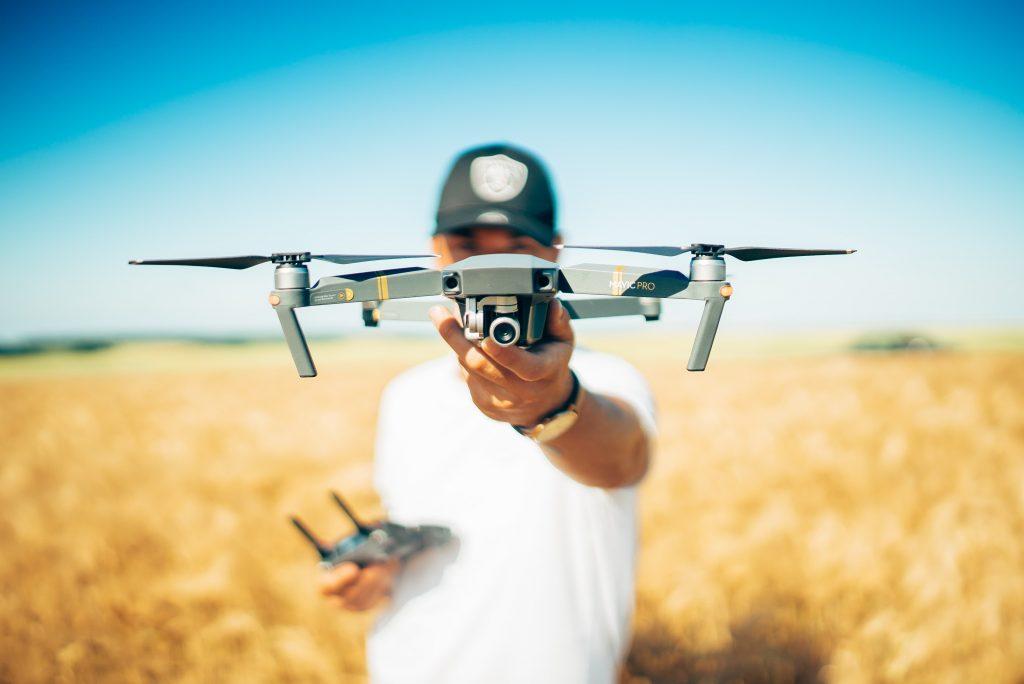 Sterowane maszyny latające — szansa, czy zagrożenie?