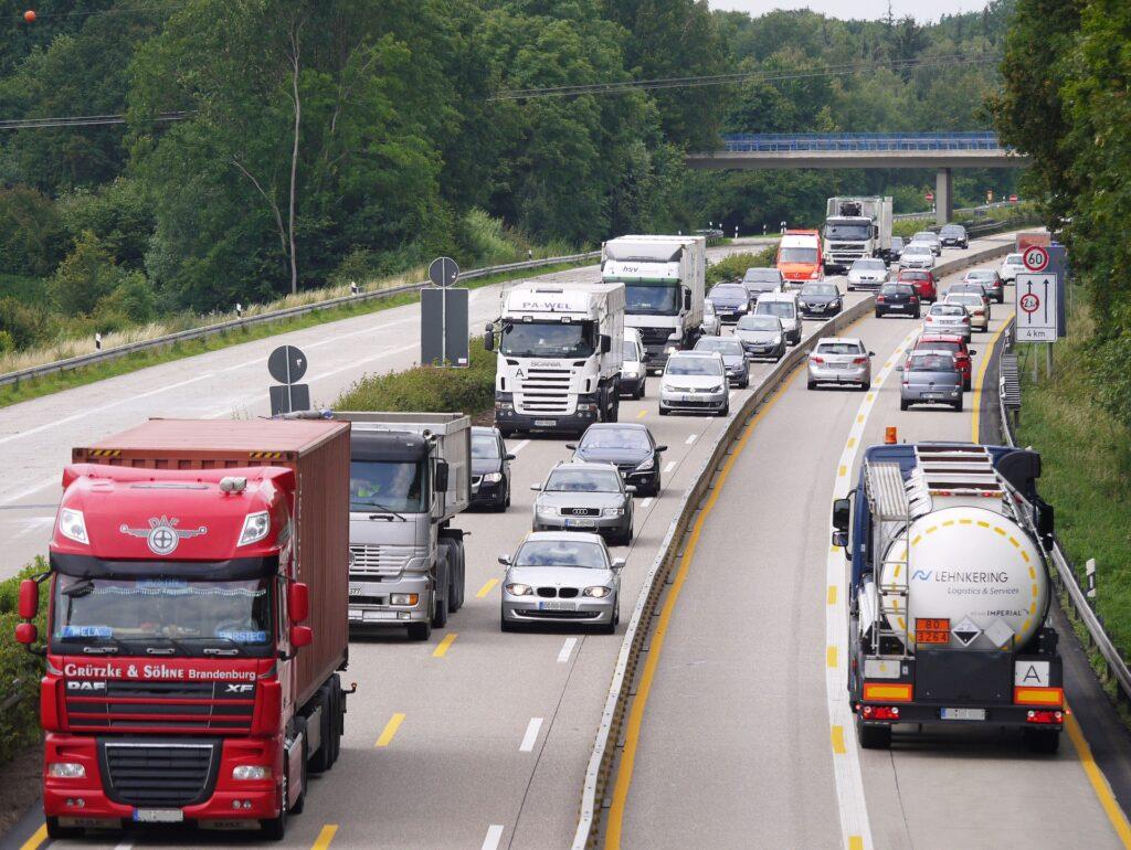 Jak zdobyć licencje na transport międzynarodowy?